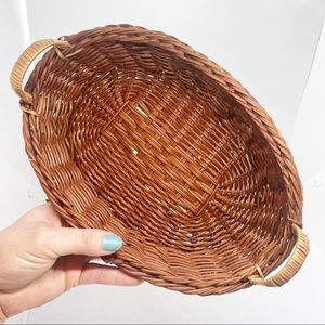Basket with handles (two tone brown)
